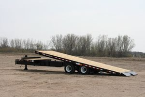 TowMaster T-30T Deck-Over Trailer